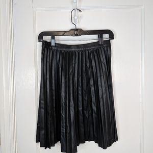 Zara faux leather pleated skirt - size xs